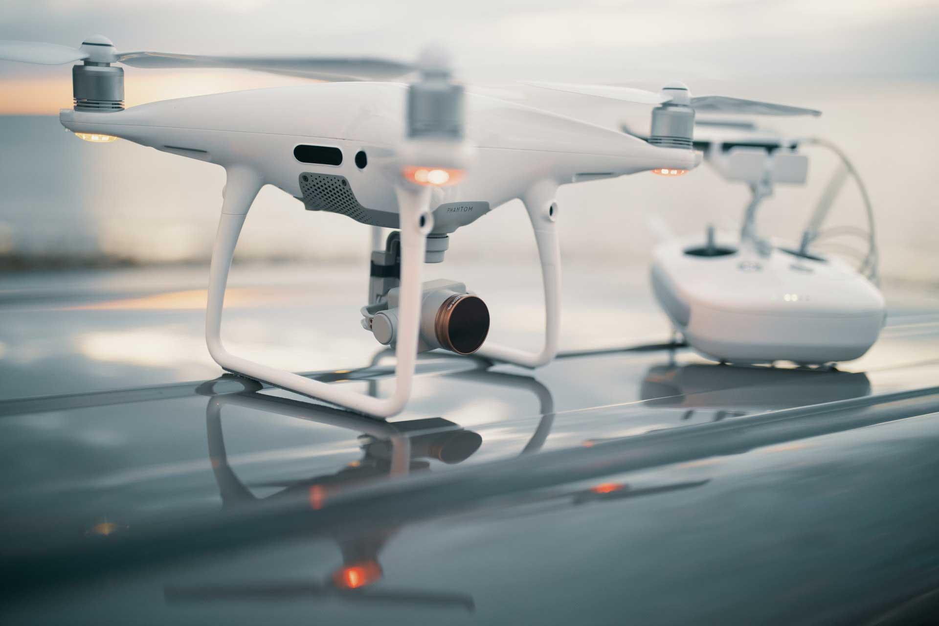 white-drone-2044044